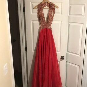 Dresses & Skirts - Open back homecoming dress